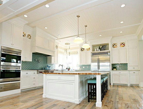 KITCHEN FLOOR AND WHITE WITH COLOR TILE