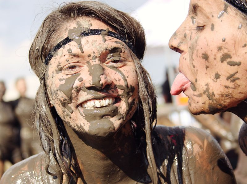MUD KISSES