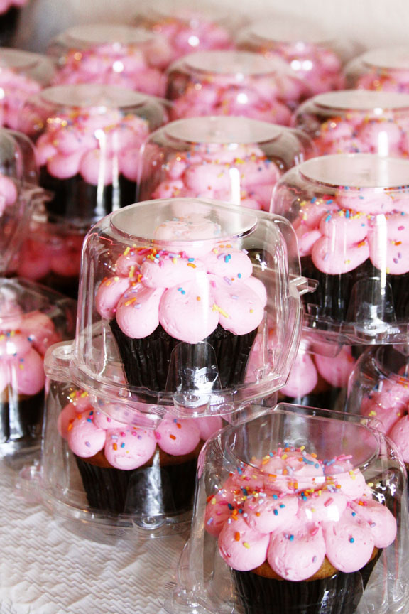 FAVORS-CUPCAKES